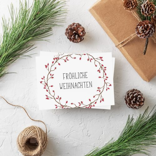 Weihnachtspostkarte Hagebutten von Grünstich Papeterie